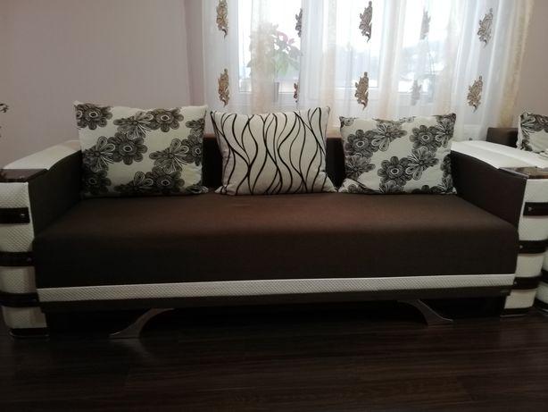 Vând canapea extensibila cu fotolii