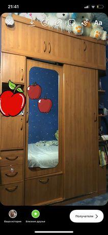 Продам большой шкаф +угловой шкафчик