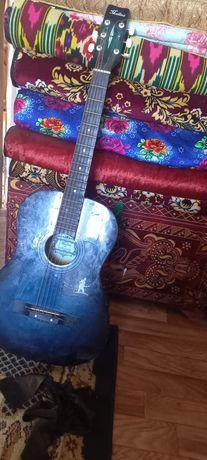 Продам гитару акустика