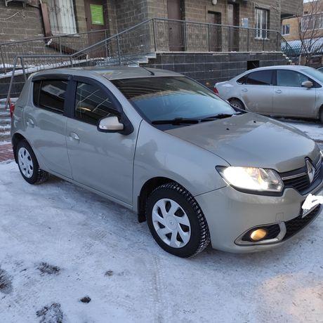 Продам машину Renault sandero