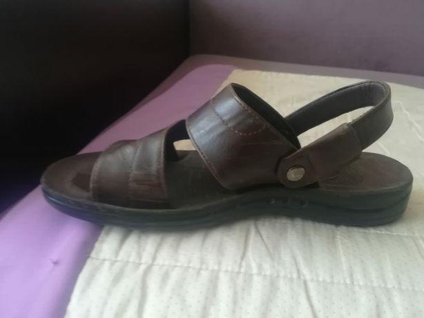 Продам сандалии, и кеды для мальчика