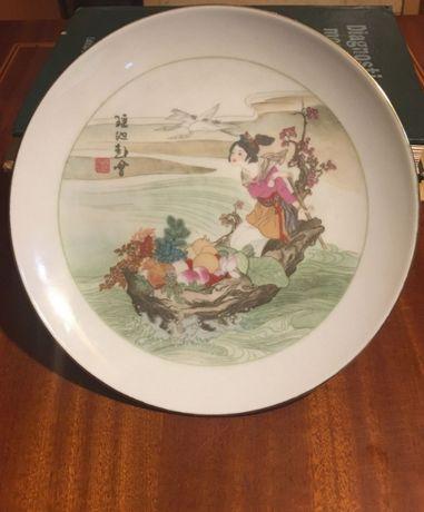 """Farfurie vintage China - """"Fată în barca plină de fructe"""" (21,5 cm.)"""