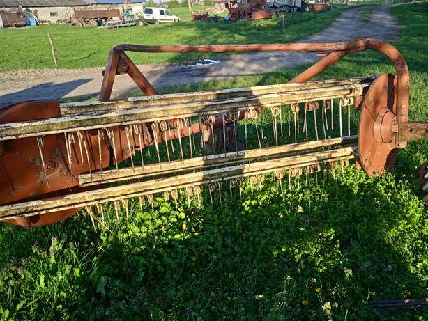 Vând greblă după tractor