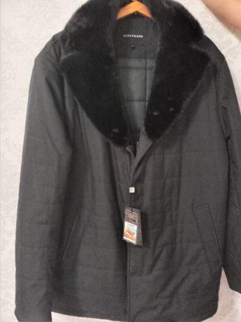 Продам куртку зимнюю, чёрного цвета, воротник норковый.