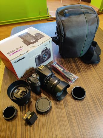 Kit Canon 250D -EF-S 18-55 IS STM - Canon EF 50mm f1.8+multe accesorii