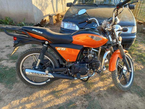 Продам мотоцикл рейсер110