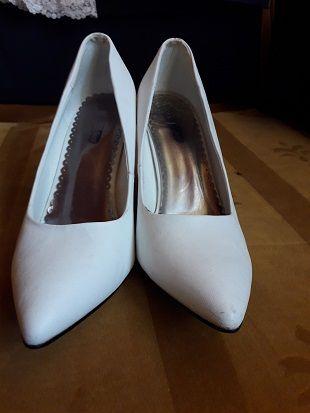 Pantofi piele albi marimea 39 cu toc 8,5 cm