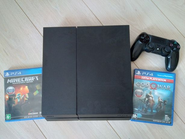 Sony Playstation 4 (1TB) + более 100 игр накопленных ps plus за 4 года