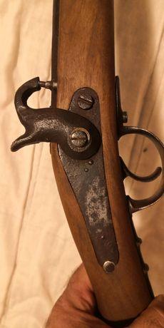 Старинна капсолна пушка, шишане, кремъклийка
