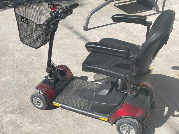 Scuter (cărucior)electric pentru persoane cu dizabilități