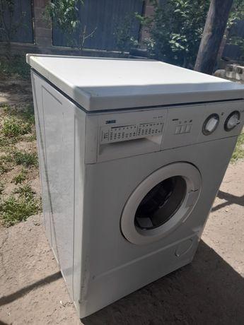Продам итальянскую стиральную машину в хорошем состояний.