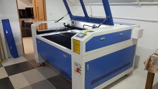 Gravator Laser CO2, Putere 150W, Controler RUIDA 6442S, masa1300x900