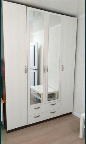 Продам шкаф 2.37на1.68