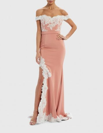Бална рокля с етикет Forever unique