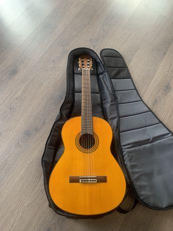 Продам чехол для классической гитары