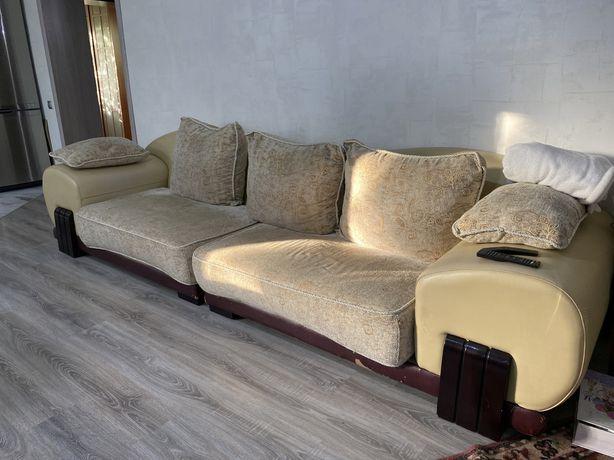Продам комплект из трёх диванов (большой, малый и кресло)