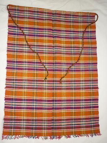 Ръчно тъкани котленски престилки с народни мотиви