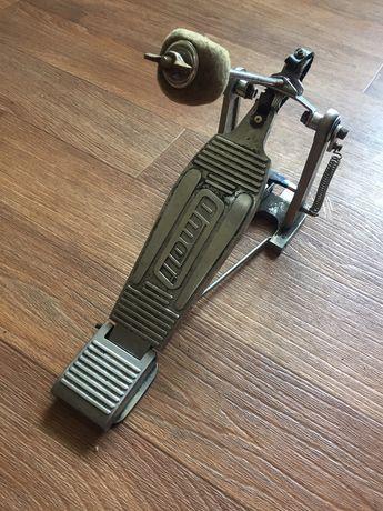Педаль для бас-барабана amati