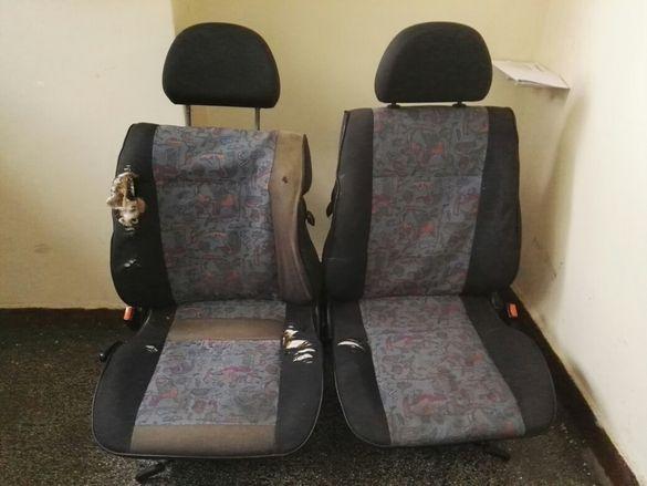 Продавам седалки от Сеат Ибиза двуврата 95 97
