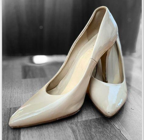 Обуви,чёрного коралловый,  бежевого цвета