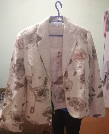 Продам костюм тройка - 8000 тенге
