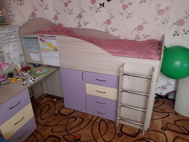 Продам кровать-чердак. Отличное состояние
