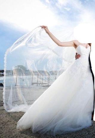 Продавам булчинска рокля - Enzoani от колекцията Beautiful