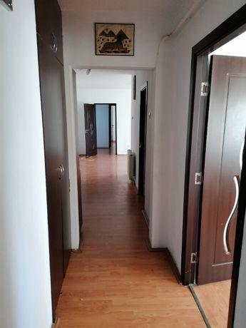 Apartament 4 Camere Spatios etaj 1 zona Piata Zahana