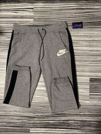 Pantaloni trenung nike air originali (aproape noi)