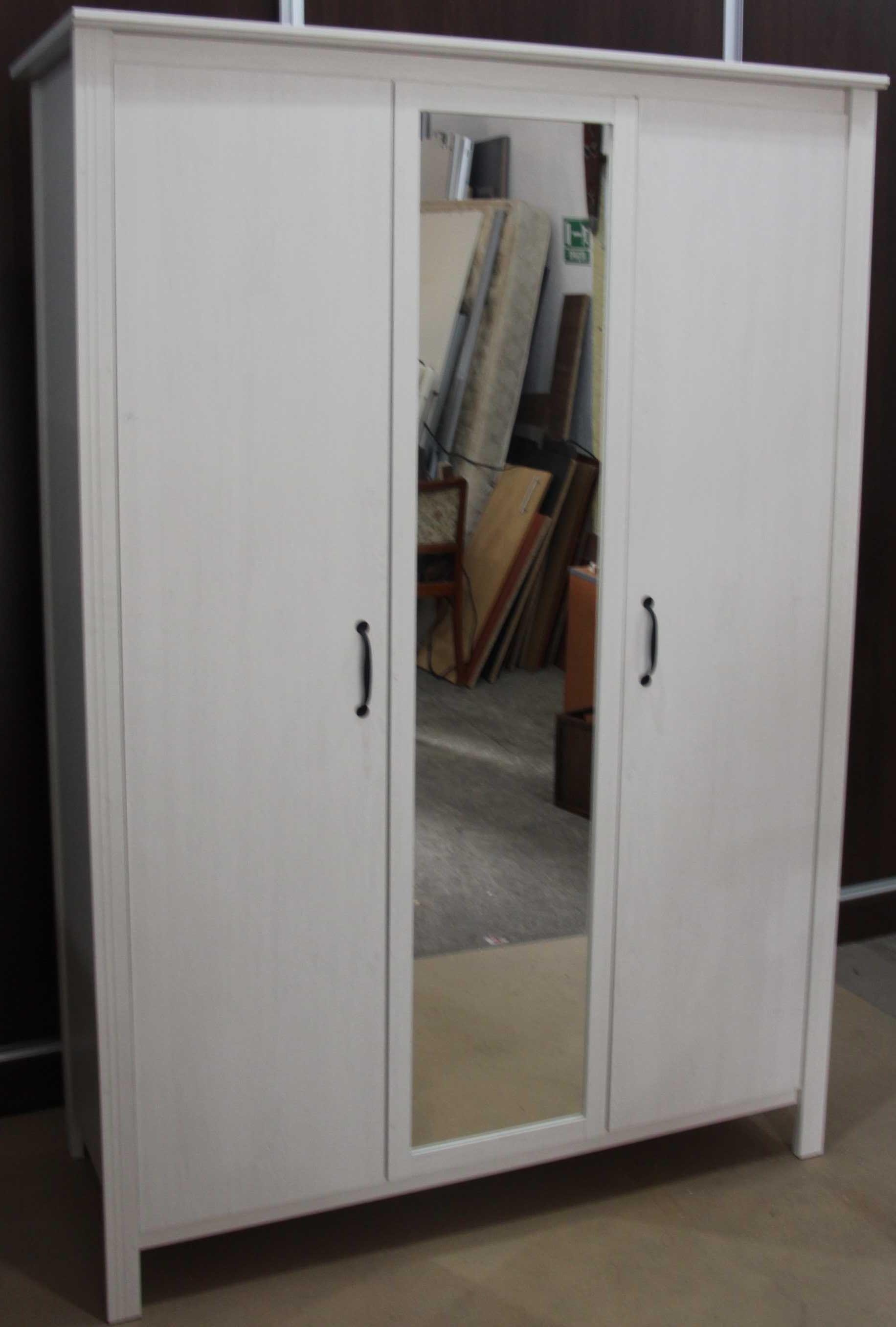 Dulap cu 3 usi tip Ikea; Sifonier cu oglinda; Dulap cu rafturi