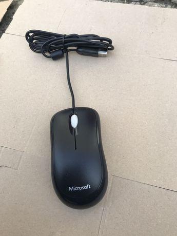 Mouse Microsoft Basic Optical cu USB Model 1113 Nou