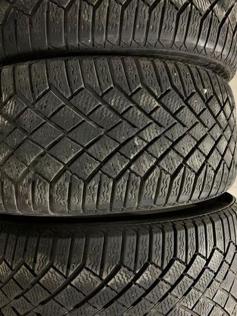 Комплект зимних шин Continental 245/45 19