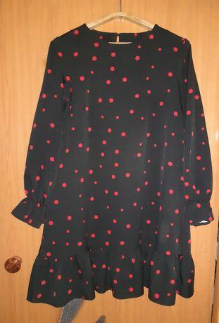 Продам платья. Один в горошек, другой шифоновый, летний чёрного цвета