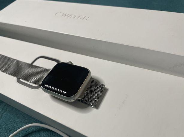 Продам apple watch 4-40 mm