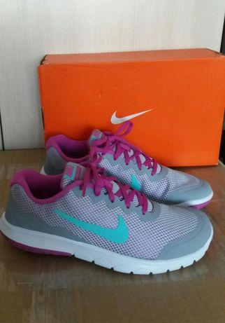 Nike чисто нови оригинални маратонки - размер 38,5