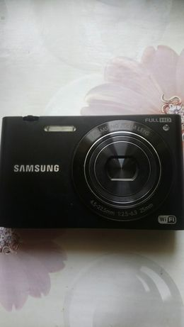 Цифровой фотоаппарат Samsung MV900F