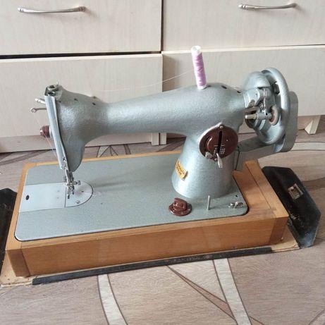 Швейная машинка Подольск, состояние как новая