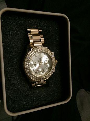 Дамски луксозен Часовник