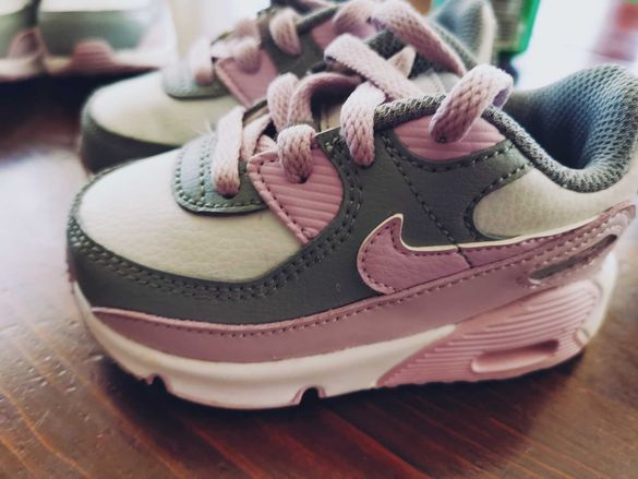 Оригинални Детски маратонки Nike 21 и 22