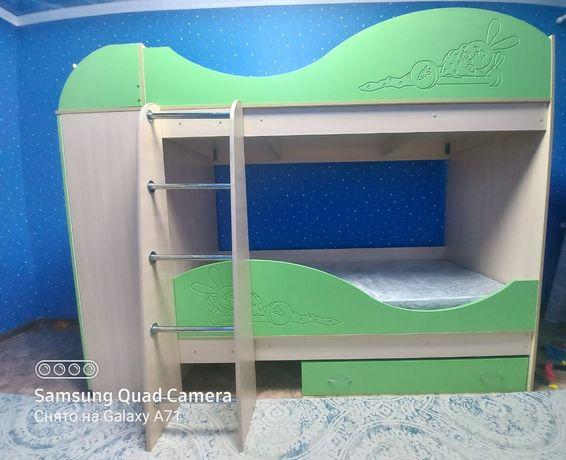 Детская мебель, двухъярусная кровать со шкафом