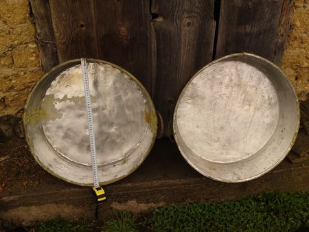 Продавам метални тави 5 броя за приготвяне на лютеница сладка и др !!!