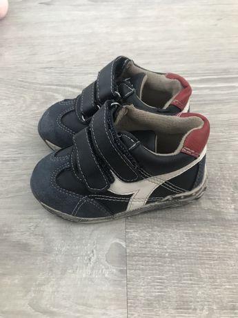 Детская осенняя обувь для мальчика