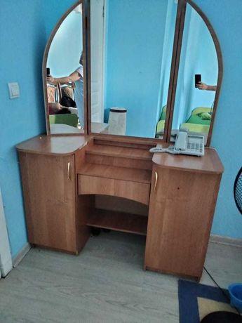 Срочно продается шкаф + зеркало