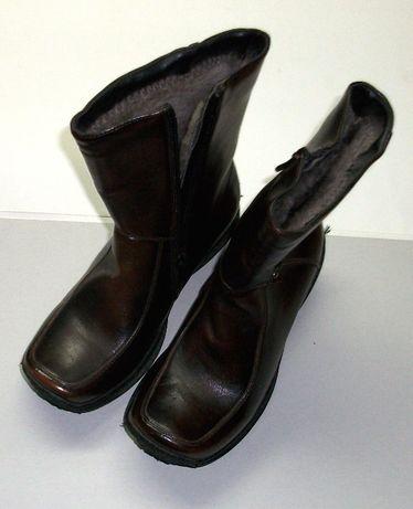 Vand cizme de copii maro, imblanite, marimea 31