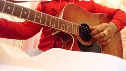 Продам акустическая гитара
