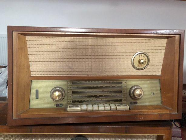 Vand radio vechi