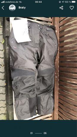 Pantaloni moto noi