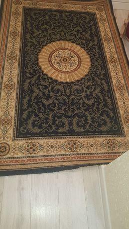 Продаётся ковёр шерстяной 1.5х2метра
