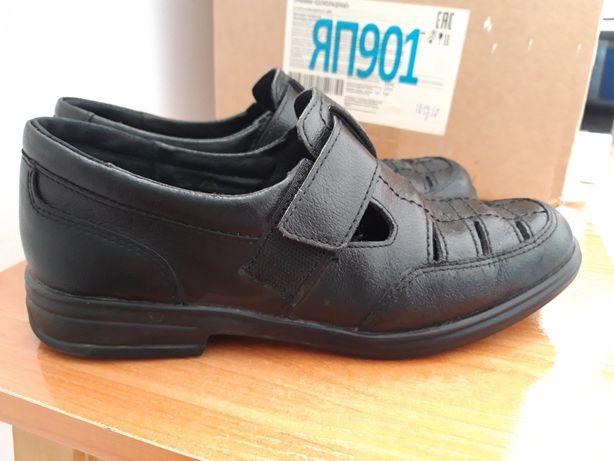 Продам школьные сандалии на мальчика