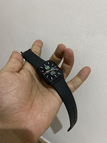 Продаю apple watch 6, 40 мм